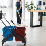 Cennik usług sprzątających – od czego zależy